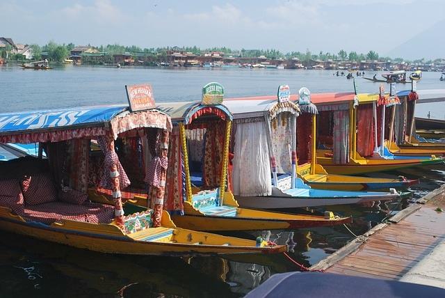 Kashmir Boats